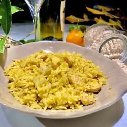riso pilaf, pollo al curry...